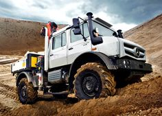Real off-roaders are amazing vehicles, because they simply can get to places where others can't. The Mercedes-Benz Unimog has long been the king of rally Mercedes Benz Unimog, Diesel Trucks, Pickup Trucks, Daimler Ag, Mercedez Benz, Camper Caravan, Camper Van, New Mercedes, Old Classic Cars