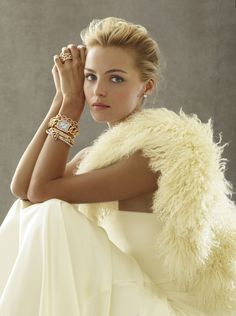 Ralph Lauren regular campaign model, Valentina Zelyaeva, is featured for the latest campaign images for the brand's fine jewelry line. Images via TFS. Photography Tattoo, Fashion Photography, Foto Fashion, High Fashion, Timeless Fashion, Classy Fashion, Fashion Hair, Style Fashion, Fashion Beauty