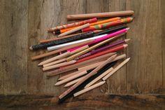 Pièces de Musée : Avis aux collectionneuses   Ca me rappelle une de mes anciennes manies – impossible de me faire une expo en France ou à l'étranger sans ramener SYSTEMATIQUEMENT un crayon : crayon de papier, crayon aux mines multicolores, crayon fluo, j'en ai même acheté un une fois thermosensible, c'est pour dire l'état de la névrose.  Bref tout ça s'entassait jusqu'à l'étouffement dans le...  Lire la suite : http://dreamupyoga.com/pieces-de-musee-avis-aux-collectionneuses/