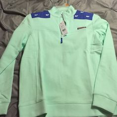 VV mint green shep with blue and mint whales Size M Vineyard Vines Tops Sweatshirts & Hoodies