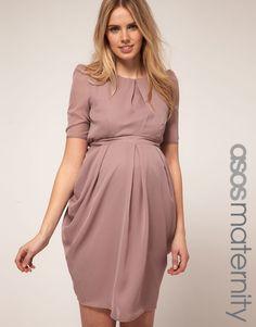 Que lindo este vestido! Acomoda bem a barriga - vestidos para grávidas gestantes pregnat dress preg woman ------------------------------------------- http://www.vestidosonline.com.br/modelos-de-vestidos/vestidos-gestantes