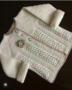 Free Aran Knitting Patterns, Baby Cardigan Knitting Pattern Free, Crochet Baby Jacket, Baby Sweater Patterns, Knitted Baby Cardigan, Knitted Baby Clothes, Baby Girl Patterns, Knitting For Kids, Baby Sweaters