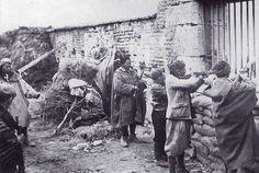 Noviembre 1936.Casa de Campo. Moros y legionarios se preparan para asaltar la ciudad. | por J.L.Caro