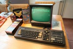 Amstrad Schneider CPC-464 Apple Os, Retro Arcade Machine, Childhood Toys, Childhood Memories, Battle Ground, Old Computers, Computer Case, Electronic Devices, Old Tv