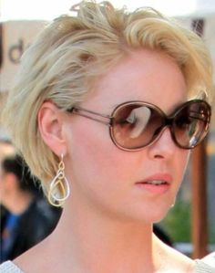 Katherine Heigl wearing Gumuchian earrings