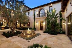 Spanish style homes – Mediterranean Home Decor Spanish Style Homes, Spanish House, Spanish Colonial, Spanish Mansion, Spanish Revival, Colonial Mansion, Courtyard Design, Courtyard House, Garden Design