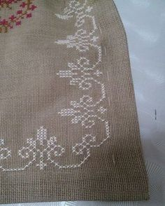 Cross Stitch Boarders, Cross Stitch Flowers, Cross Stitch Designs, Cross Stitching, Cross Stitch Patterns, Hand Embroidery Designs, Diy Embroidery, Cross Stitch Embroidery, Embroidery Patterns