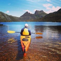 Kayaking on Dove Lake, Cradle Mountain, TAS. Photo by @tailoredtasmania on Instagram.
