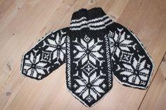 Kjærestevotter Mittens, Christmas Sweaters, Gloves, Hats, Winter, Fingerless Mitts, Winter Time, Hat, Fingerless Mittens