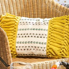 Easily adorn your outdoor patio furniture with this citron boho pillow DIY. Use FolkArt Outdoor paint and stencils to achieve a on-trend bohemian look. Fairy Lights In A Jar, Fairy Jars, Boho Pillows, Diy Pillows, Diy Home Decor Projects, Craft Projects, Craft Ideas, Beach Crafts For Kids, Pillow Crafts