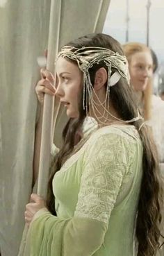 The Lord of the Rings: the Return of the King - Arwen at Aragorn's coronation. Inspiration for Queen Anna's outfit