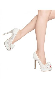 Pearl Lace Pump in White-Ivory