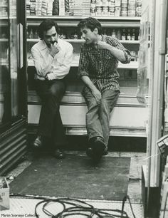 Robert De Niro and Martin Scorsese on the set of Taxi Driver, can find Martin scorsese and more on our website.Robert De Niro and Martin Scors. Martin Scorsese, Stanley Kubrick, Alfred Hitchcock, Fritz Lang, Taxi Driver, Great Films, Historical Pictures, Film Director, Beautiful Celebrities