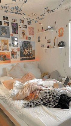 Indie Room Decor, Cute Bedroom Decor, Bedroom Decor For Teen Girls, Teen Room Decor, Room Ideas Bedroom, Bedroom Inspo, Pinterest Room Decor, Cute Room Ideas, Pretty Room