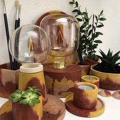 Hand made objects designed and built with natural materials by bonito Concrete Pots, Natural Materials, Objects, Kitchen Appliances, Handmade, Design, Bonito, Diy Kitchen Appliances, Home Appliances