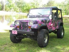 Dream jeep Just different splatter paint like green and blue and white with lack back-round .