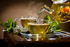 Green Tea Fragrance Oil - Soap fragrance oil - Scents for soap - Soapmaking - Soap Making Supply Oolong Tea Benefits, Green Tea Benefits, How To Boost Your Immune System, Acide Aminé, Amber Glass Bottles, Soap Making Supplies, Healthy Liver, Glass Teapot, Junk Food