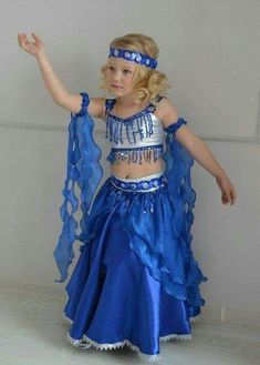 Girls Dance Costumes, Fancy Costumes, Belly Dance Costumes, Carnival Costumes, Kids Dress Wear, Girls Dress Up, Little Girl Dresses, Fancy Dress, Costume Carnaval