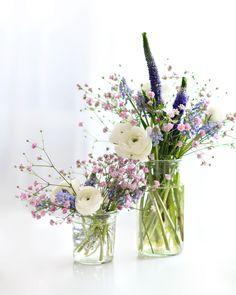 Ideas For Wedding Flowers Tulips White Floral Arrangements Purple Wedding Flowers, Wedding Table Flowers, White Wedding Bouquets, Wedding Table Centerpieces, Flower Centerpieces, Diy Flowers, Wedding Tulips, Wedding Colors, Wedding Decorations