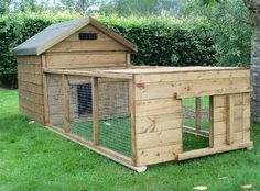 What a nice duck house! Backyard Ducks, Chickens Backyard, Backyard Farmer, Duck Pens, Duck Duck, Duck House Plans, Goose House, Pet Ducks, Baby Ducks