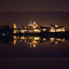 #homesweethome #goodnight #JFproject #mantova #mantua #love #JF #mantovabynight #city #bellissima #città #italy #MN #loveit #ig_mantova #igmantova #visitmantua #ig_lombardia #beautifulview