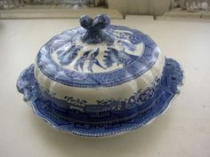 ♥ ~ ♥ Blue and White ♥ ~ ♥ Blue Willow covered Butter Dish