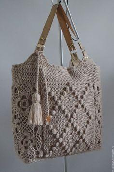 Beige, buy a bag . Diy Crochet Bag, Crochet Shell Stitch, Love Crochet, Knit Crochet, Fabric Handbags, Crochet Handbags, Crochet Purses, Crochet Designs, Crochet Patterns