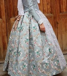 Traje fallera European Dress, Must Haves, How To Make, How To Wear, Dressing, Costumes, Sewing, Womens Fashion, Skirts
