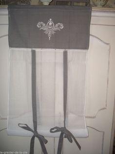 Rideau store enrouleur tissu gris & blanc broderie médaillon 60x160cm NEUF in Maison, Rideaux, stores, Rideaux, cantonnières | eBay