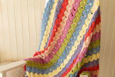 Dalgalı örgü battaniye modeli