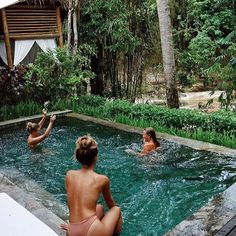 Pool time with my gals in the tropics piccy by @olivecooke