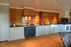 Light and delicate kichten in combination with thick timberwalls. Kitchen Cabinets, Decor, Kitchen, Home, Renovations, Home Decor