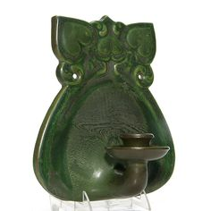 Rare Roseville Matt Green wall sconce listed as shape in a grouping of Chloron pieces. on Jun 2016 Antique Pottery, Roseville Pottery, Ceramic Pottery, Pottery Art, Bottle Vase, Bottles, Desk Set, Arts And Crafts Movement, American Art