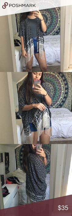 kimono flowy fringe kimono, can go on with anything and look good! OS(one size) worn once ‼️NOT BRANDY!!(ambercrombie & fitch)‼️ Brandy Melville Sweaters Cardigans
