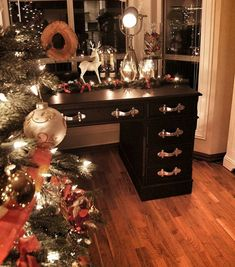 Visit somegram.com to see more Instagram photos, videos and stories #somegram #christmas #christmastree #christmasgifts #christmasdecoration Christmas Eve, Christmas Gifts, Christmas Decorations, Xmas, View Photos, Entryway Tables, Mirror, Videos, Home Decor