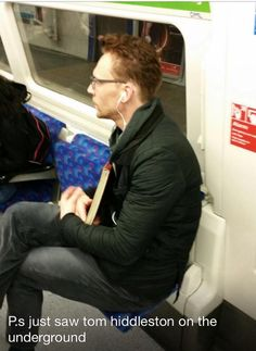 Sarah Walkden: So the lads said this guy looked like Loky (Tom Hiddleston) from the movie Thor..it was #fangirlmoment #onlyinlondon...