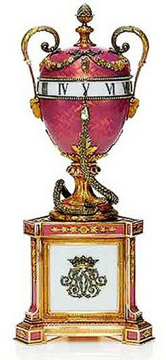 Duchess of Marlborough Egg  ca.1902 http://www.mieks.com/faberge-en/Other-Eggs/Duchess_of_Marlborough_Egg.htm