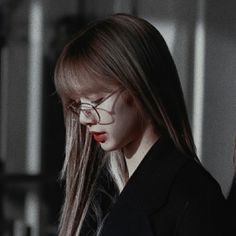 un dorito 🍒 Kim Jennie, Blackpink Photos, Girl Photos, Kpop Girl Groups, Kpop Girls, Lisa Park, K Pop, Mode Kpop, Ft Tumblr