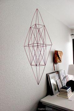 Magdan kotona: himmeli Geometric Decor, Geometric Shapes, Home Crafts, Diy Home Decor, Straw Weaving, Diy Furniture Easy, Metal Wall Decor, Scandinavian Home, Metal Walls