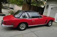 Learn more about Never Seen One: 1976 Jensen Interceptor Coupe on Bring a Trailer, the home of the best vintage and classic cars online. Classic European Cars, Classic Cars Online, Jensen Interceptor, Living In Car, Riding Quotes, Vintage Sports Cars, Cars And Coffee, Hot Cars, Motor Car
