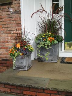 these beautiful Fall planters! Container Gardening Love these beautiful Fall planters! ContaineLove these beautiful Fall planters! Container Gardening Love these beautiful Fall planters! Fall Planters, Outdoor Planters, Garden Planters, Garden Shrubs, Autumn Planter Ideas, Geraniums Garden, Sun Garden, Square Planters, Flower Planters