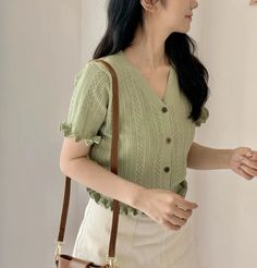 Classic Outfits, Cute Casual Outfits, Casual Clothes, Aesthetic Fashion, Aesthetic Clothes, Korean Girl Fashion, Korean Outfits, Korean Ootd, Ideias Fashion