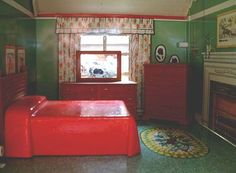 Marx tin dollhouse , furnished bedroom. Photo courtesy Michael and Sharon of  www.yearsafter.com (a Ruby Lane shop) This house is sold.