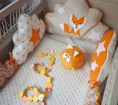 Les coussins malins : un tour de lit pour que bébé ne se fasse pas mal ! Crédit photo : Pinterest/little market