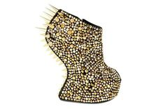 CONFESSION OF A SHOE ADDICT: Heel-ing Power http://www.shoera.com/2012/06/05/confession-of-a-shoe-addict-heel-ing-power/