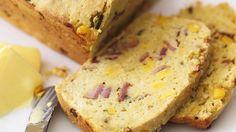 Herzhaft-lecker: Mais-Speck-Brot | http://eatsmarter.de/rezepte/mais-speck-brot