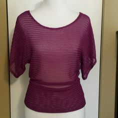 ✔Loose Knit Top My Closet Rules: No Holds or Trades Same Day or Next Day Shipping All Items are in Gently Used Condition Unless Stated Otherwise Keren Hart Tops