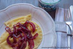 Ravioli gefüllt mit Frischkäse und roten Zwiebeln goodlife.in-mind.de