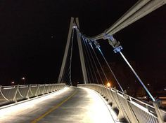 New 35th Street bridge between Bronzeville and Chicago's lakefront opens - Curbed Chicago