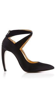 e8fd34f618 9 Best LV For Ladies shoes images | Louis vuitton sale, Shoes ...